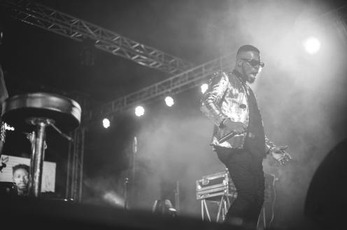 Broda Shaggi performing